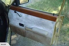 Kiwi Cortina MK5 2.0 Ghia 1981 (Ale06.6) Tags: wood newzealand classic argentina sedan germany gold puerta madera beige tan kiwi saloon clasico ghia dorado lujo nuevazelanda fordcortina mk5 doortrim fordtaunus tapizado
