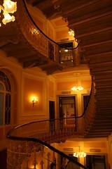 Hotel Bristol (LetsLetsLets) Tags: genova italia março 2017 hotelbristol escadas scale oval staircase architecture arquitectura archittetura elegante