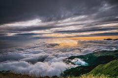 合歡山 (王宇信) Tags: taiwan nantou sunset moutain cloud 台灣 南投 合歡山 夕陽 日落 sony a6000 雲 風景 e16 sel16f28 雲海 主峰 武嶺