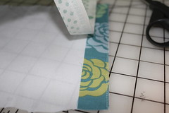 Selvage tutorial pic 6 (B's Modern Quilting) Tags: quilt machine fabric zipper tutorial wristlet selvage