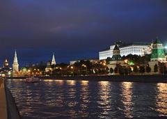 Moscou, soirée d'été (moscouvite) Tags: ciel bateau nuit quai russie lete moscou sonydslra450 heleneantonuk