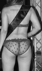 Encaje (el_gato_azul) Tags: sexy mujer chica espalda trasero calzones muchacha nalgas encaje