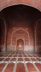 Mehrab of Mosque in Taj Mahal (ZaIsBu) Tags: red stone prayer taj mahal tajmahal palace mosque akbar mogul shahjahan mughal moghul namaz mehrab moschee mahrab