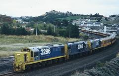 DJ 3286 + 3096 + 3107 (geoffreyw@kinect.co.nz) Tags: train picnic special header triple burnside shunters