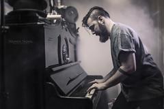 Luca Molla (Lo_straniero) Tags: music disco italia piano bari pianoforte younesstaouil wwwfotoyounesstaouilcom lucamolla barbie83 prendifiato wwwyounesstaouilcom