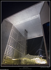 IMG_3420.jpg (manoub79) Tags: paris france building construction moment nuit iledefrance bâtiment français défense arche période saison française morphologie géomorphologie