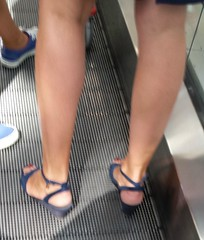 Street feet (158) (I Love Feet & Shoes) Tags: street sexy feet stockings pie shoes highheels sandals tights lingerie heels ps huf hoof bas pieds mules pantyhose schuhe casco piedi meias medias scarpe sandalias chaussures sapatos sandlias zapatillas sandalen  sandales  sabot sandali  strmpfe    calcanhares  fse