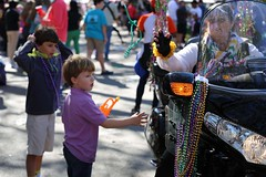 IMGL6301 (komissarov_a) Tags: neworleans louisiana usa faces 2017 mardigras weekend parade iris tucks endymion okeanos midcity krewe bacchus nola joy celebration fun religion christianiy february canon 5d m3 komissarova streetphotography color rgb police crowd incident girls gentlemen schools band kids boats float neclaces souvenirs ledders drunk party dances costumes masks events seafood stcharles festival music cheerleaders attractions tourists celebrities festive carnival alcohol throws dublons beads jazz hospitality collectors cups toys inexpensive route doubloons wooden aluminum super