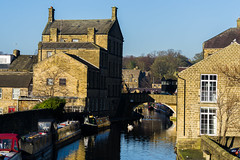 Leeds Liverpool Canal at Skipton North Yorkshire - Dec. 2016 (I.T.P.) Tags: leeds liverpool canal skipton north yorkshire building