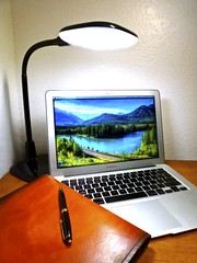 Macbook Air 2013 News May Lumiy LEDs LED Lamp1060880 (stanfordgreentrees) Tags: pro macbook macbookpro macbookair macbookproretina