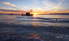 Crescent Beach Sunset, Surrey BC (PhotoDG) Tags: sunset sun seascape color beach vancouver landscape surrey crescentbeach boundarybay surreybc ef1635mmf28liiusm eos5dmarkii