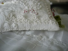 Vintage hanky corner (veephilion) Tags: vintage crossstitch embroidery embroidered hankie frenchknots handstitching pinpillow karenruaneclass buttonholeedging