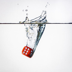 Red six (80D-Ray) Tags: red white dice water highkey splash six strobe freezemotion