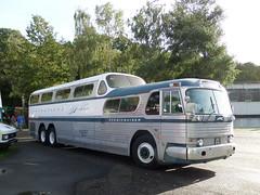 SAM_0179 (pjlcsmith2) Tags: greyhound gmc brooklands scenicruiser transportfest uas576