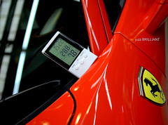 pic25 time temperature himidity Ferrari458