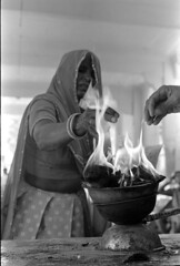 (vytautas ambrazas) Tags: india hands religion ceremony 35mmfilm tradition ilfordhp5plus400 analogphotography rajasthan leicamp documentaryphotography leicasummicronm35mmf2asph firesacredfire