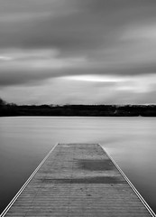 Ponton ... (Lilian Thoumire Photography) Tags: longexposure blackandwhite bw cloud water lens landscape photography photo nikon eau long exposure flickr nb nikkor nuage paysage ponton 18105 objectif f35 noireetblanc nd400 youngphotographer d3000 raceman jeunephotographe vision:beach=0563 vision:text=0652 racemanphotography vision:outdoor=0511 vision:ocean=0713 vision:clouds=0796 vision:sky=0903