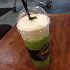 ชาเขียวนมสดเย็น | Iced Green Tea With Milk @ กาแฟลำดี | Lamdee Coffee