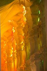 Jeux de lumire dans la Sagrada Familia, Barcelone (enemji) Tags: