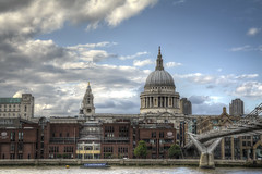 St. Pauls Cathedral3-10 (FitzinCC) Tags: londonhdr
