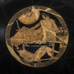 Achilles and the dead body of Hector II (egisto.sani) Tags: paris art cup ceramic greek arte louvre athens du attic pottery symposium simposio parigi attica greca red coppa atene kylix muse greek potter louvre figure painter kilyx figure rosse myths greci hiron makron macron miti