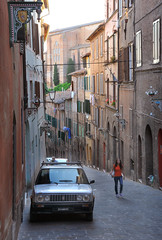 Street of old Siena (Rosanna Leung) Tags: street city italy building church architecture unesco worldheritagesite tuscany siena    duomodisiena    medievalcityscape