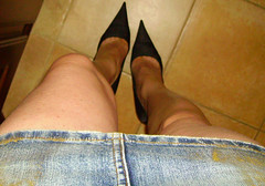 my-pumps (| Alessia Rossini | IT) Tags: black hot sexy pumps toe legs cd jeans barefeet cleavage satin trav gambe alti tacchi minigonna