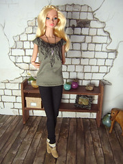 Feather shirt (Levitation_inc.) Tags: fashion model doll ooak barbie levitation muse clothes poppy royalty parker pivotal nuface