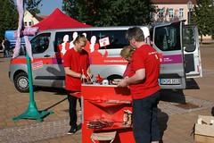 Infostand in Lohburg mit Rote-Bus-Team