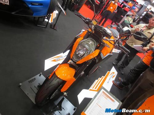 KTM-Tokyo-Motor-Show-2013-02