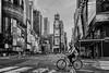 Cruzando el límite (belthelem) Tags: nyc trip travel usa ny newyork bicycle night nikon manhattan taxi timessquare ciclista bici cruce viajar nuevayork eeuu t100 d700
