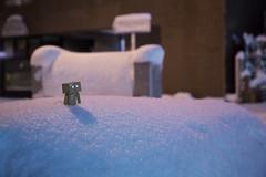 Tokyo Snow (HK-DMZ) Tags: snow japan toy tokyo figure danbo revoltech danboard  5dmk3 5d3 hkdmz {vision}:{outdoor}=0686 {vision}:{mountain}=0581 {vision}:{clouds}=0679 {vision}:{sky}=0891 {vision}:{sunset}=071