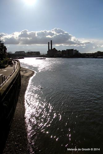 Sparkling River Thames