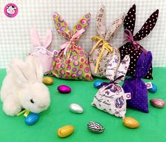 Saquinhos de Pscoa! (Kika com Arte - Atelier de criaes) Tags: chocolates pscoa coelho tecido orelha lembrancinha saquinhos