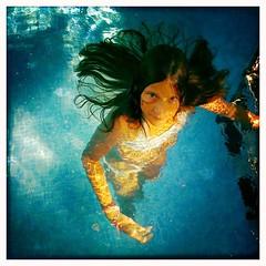 294642_2237921793263_2421409_n (giselda.gargano) Tags: blue water girl swimmingpool glance medusae