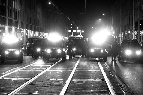 Jeeps riot police in Hobbemastraat