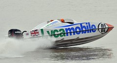 PS1 Power Boat Race, Humber (cdwpix) Tags: river boat power yorkshire racing east hull p1 humber