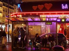 (Toni Kaarttinen) Tags: boy woman man paris france men boys night children lights evening frankreich neon heart mother frana montmartre frankrijk prizs francia iledefrance parijs parisian pars  parigi frankrike pigalle  pary   francja ranska pariisi  franciaorszg  francio parizo  frana cabarat