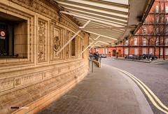 Outside Royal Albert Hall, London (Mumbai Lensman) Tags: uk london kensington royalalberthall