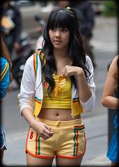 (seua_yai) Tags: asia southeastasia thailand thai bangkok silom silomroad siam siamcenter shopping soithaniya surawong sathorn narathiwat chongnonsi people thaipeople asianwoman asianlady asian sexyasian asiangirl women thaiwomen bangkokwomen thailady thaigirl bangkokgirl sexy beautiful lovely cute fashion candid street thaistreetfashion streetfashion asianstreetfashion bangkokstreetfashion shoes handbags bangkok2012 promogals promotion branding models