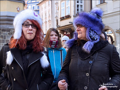 Beanies for cold (Melchita) Tags: streetphotography street streetcolor streetphotographycolor streetscenes streetportrait colorphotography urbanphotography urbanlife urbanscenes praga melchita