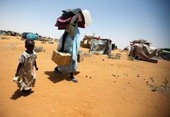 New displaced people from East Darfur (UNAMID Photo) Tags: sudan un unitednations emergency humanitarian usg idp zamzam newarrivals northdarfur internallydisplacedpersons elfasher undersecretarygeneral newdisplacedpersons