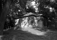 IMG_0081 (((amanda))) Tags: overgrown newjersey decay exploring urbanexploration trenton urbex