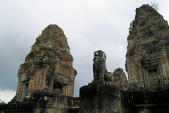 East Mebon - Sandwiched Lion (Drriss & Marrionn) Tags: city travel temple cambodia southeastasia buddhist ruin siemreap angkor hindu unescoworldheritage eastmebon archeologicalsite khmerarchitecture