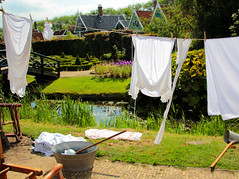 Monday laundry day (ZoomLoes) Tags: white bleach august folklore oldschool laundry clothesline zaanseschans 2013 ©loesvandezande