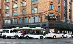 Harrods. (Alex Penfold) Tags: auto summer white london cars alex car sport mercedes dubai grand super harrods knightsbridge arabic arab saudi arabia gran rolls bugatti luxury supercar royce amg supercars veyron arabs pagani penfold phanton arabians drophead 2013 huayra g65
