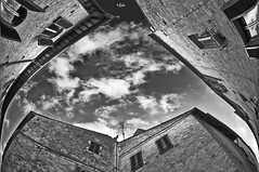 Distorsioni architettoniche (G.hostbuster (Gigi)) Tags: bw perspective ghostbuster gigi49