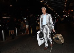 Silver Suit (1503) (ViewFromTheStreet) Tags: street new york city nyc newyorkcity newyork man male guy classic night silver photography calle amazing unitedstates manhattan candid flash streetphotography suit baggage bigapple blick viewfromthestreet stphotographia vftsviewfromthestreet blickcalle