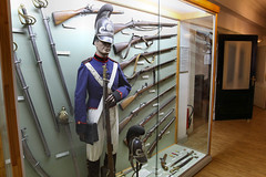 Museum Wilhelmsbau - Speyer 38 (Stefan_68) Tags: mannequin fashion museum germany deutschland uniform doll rifle weapon sword mode schaufensterpuppe ausstellung vitrine puppe speyer rheinlandpfalz militär waffe schwert technikmuseum gewehr rhinelandpalatinate wilhelmsbau rarität technikmuseumspeyer künstlerpuppe raritätenkabinett