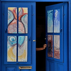 The unknown (Nespyxel) Tags: door blue fish colors dark square open arm blu porta unknown sicily sicilia eolie braccio incognita panarea nespyxel stefanoscarselli tufototureto